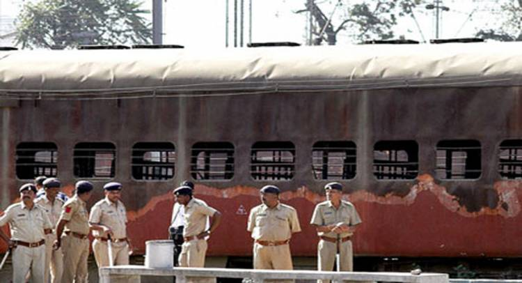 Godhra, Sabarmati Express Train Burning Case: Gujarat High Court commutes death sentence of 11 convicts, all 31 get life imprisonment